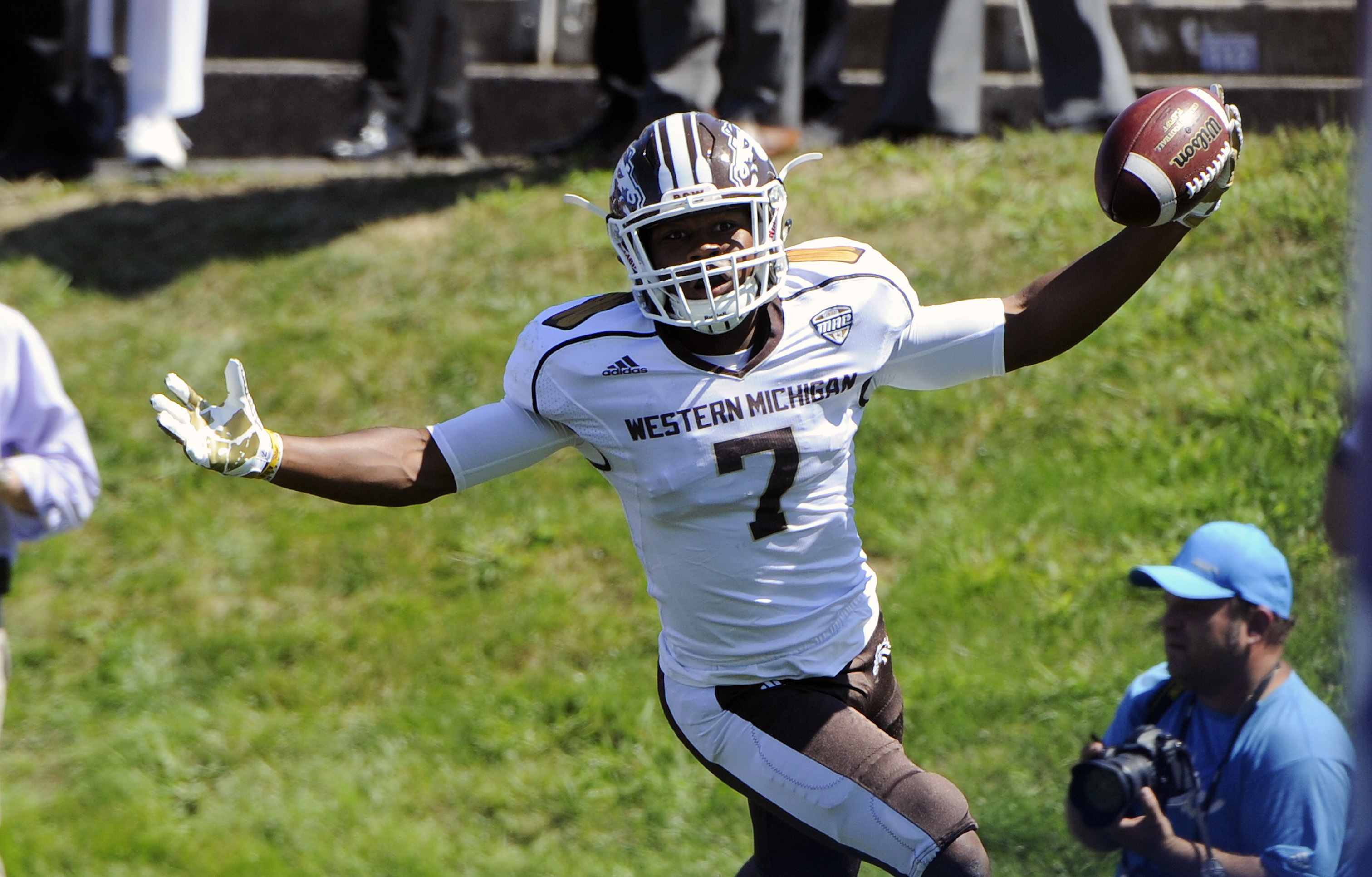 Bluffton's D'Wayne Eskridge makes immediate impact at Western Michigan