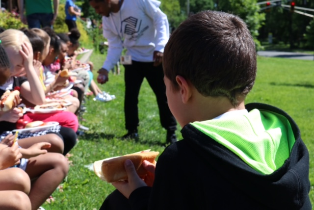 Boys Girls Clubs summer meal program_262611
