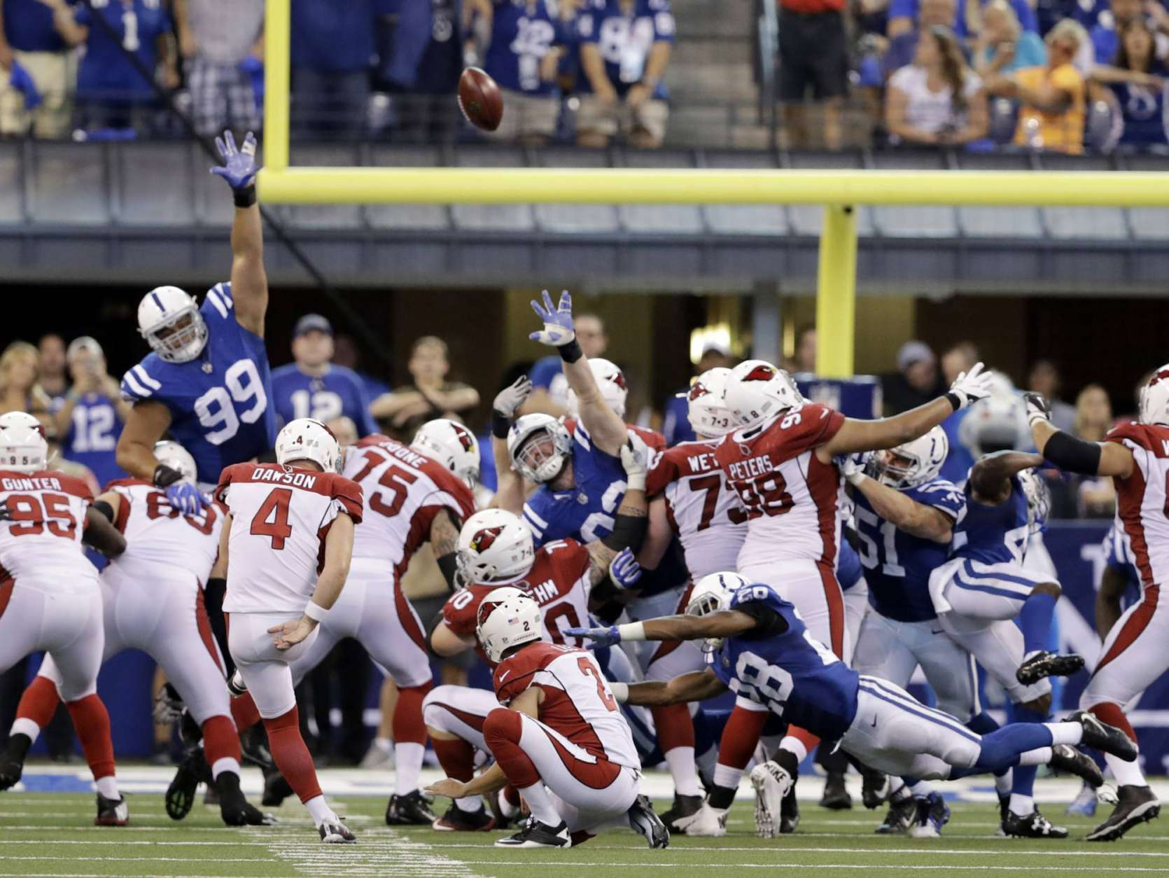 Cardinals_Colts_Football_45375-1670x1254_283981