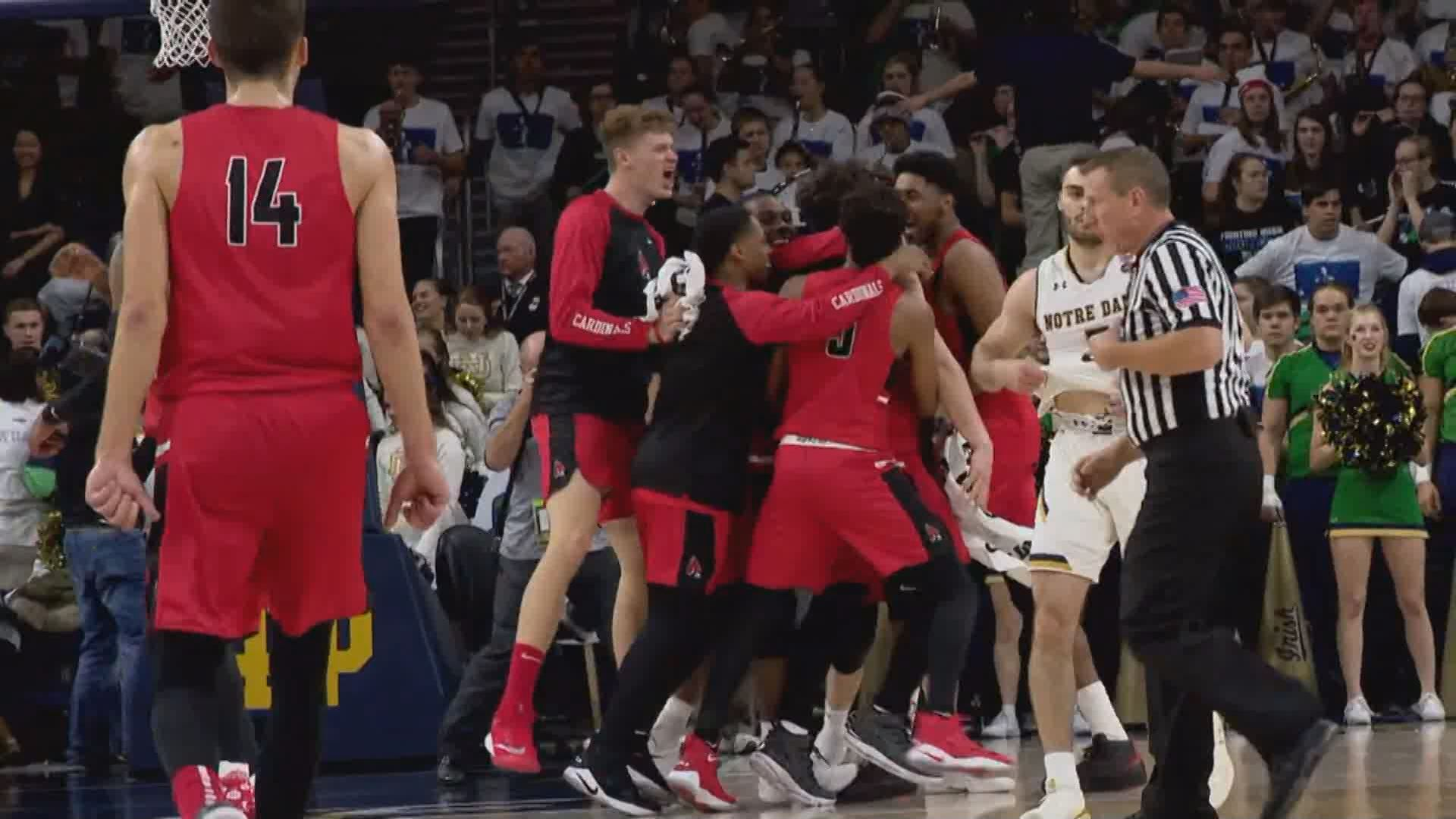 BALL STATE BEATS NOTRE DAME_299922