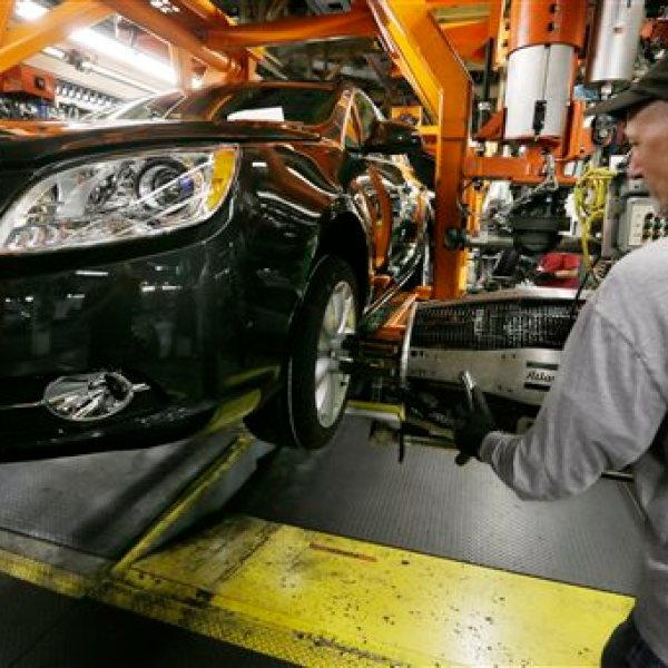 Auto Workers Pivotal Year_122739