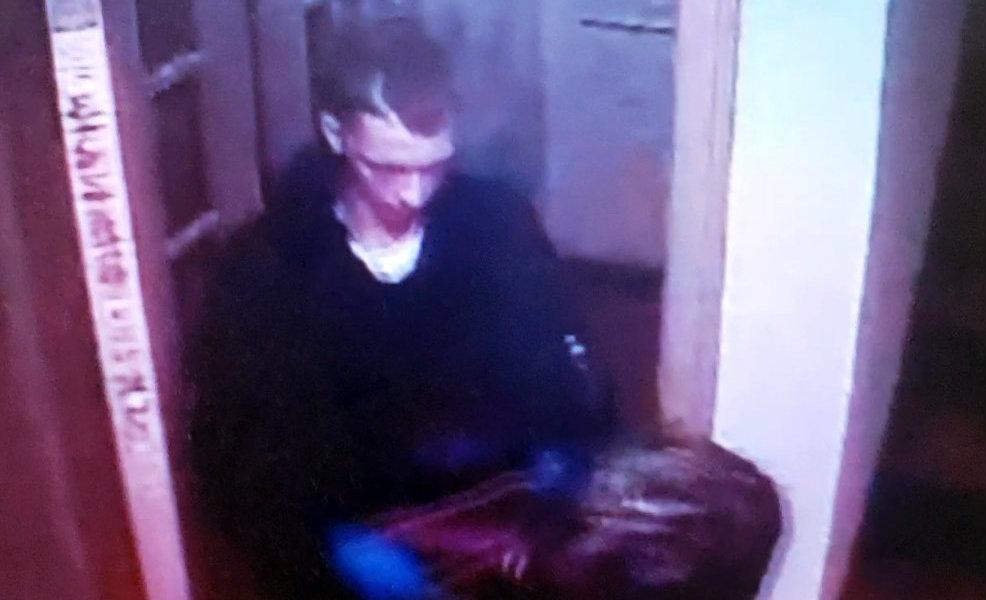 Robbery suspect West Berry Apt.
