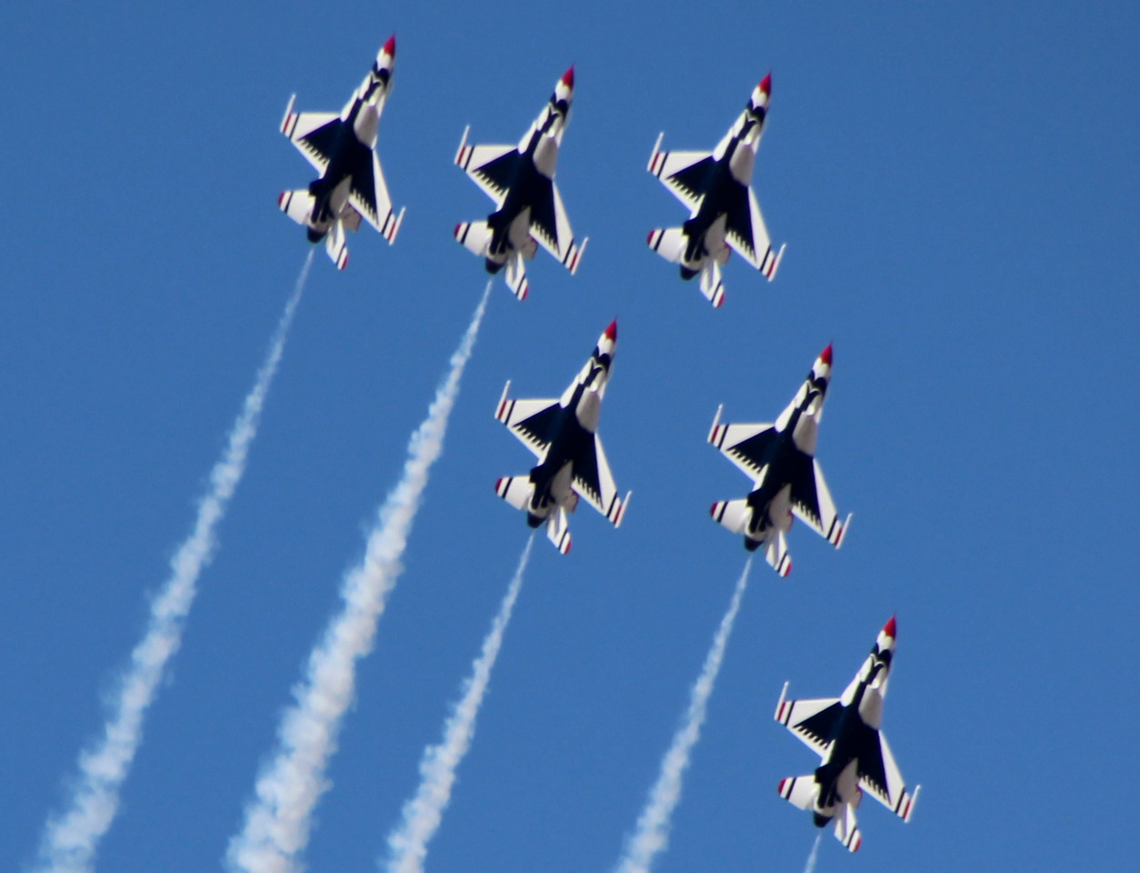 Thunderbirds22_1542659801603.jpeg