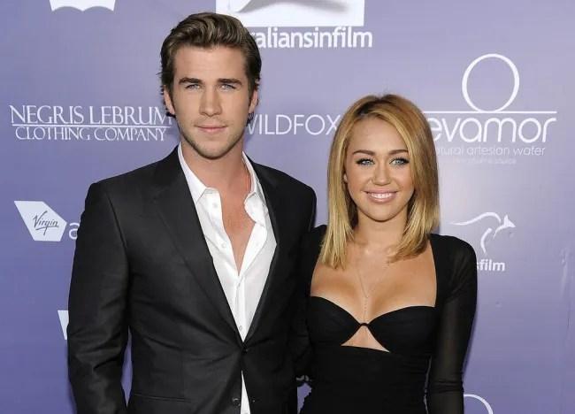 [ Gossip ] Rasmi! Akhirnya Miley Cyrus dan Liam Hemsworth putus tunang