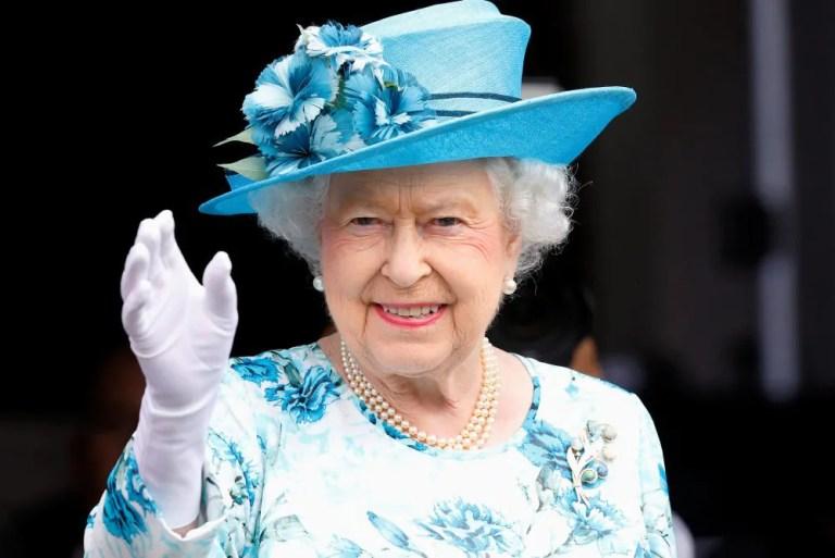 10 Fakta Menarik Tentang Beg Tangan Kegemaran Queen Elizabeth