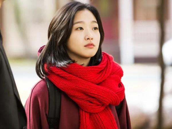 Selesa Tak Pakai Mekap, Aktres Goblin Kim Go Eun Tak Peduli Haters (Gambar)