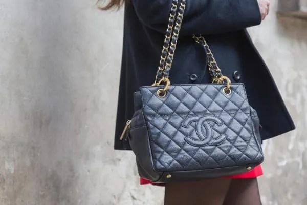 Bawa Beg Berat Boleh Menyebabkan Masalah Kesihatan, Ini Kata Pakar!