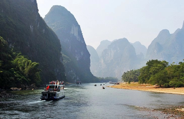 https://www.planetware.com/china/guilin-to-yangshuo-a-li-river-cruise-attractions-tips-tours-chn-1-2.htm