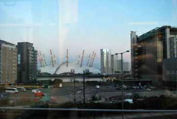 zicht op de O2 arena vanuit de DLR