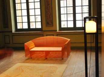 How High the Moon-sofa van Shiro Kuramata