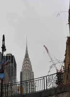 de Chrysler Building vanop de begane grond