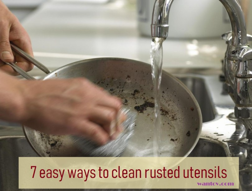cleaning pots and pans with baking soda