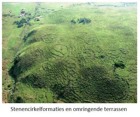140306 - 13- steencirkelformaties en omringende terrassen
