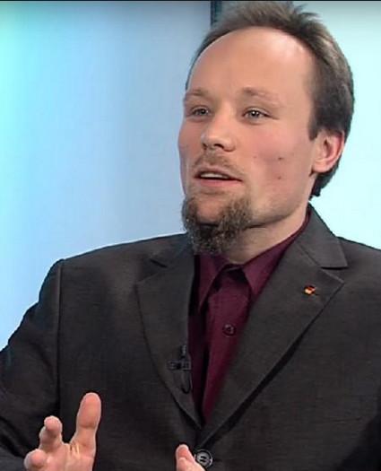 De Duitse onderzoeker Billy Six ziet kennelijk zaken, die het 'onderzoekscollectief Belingcat' niet ziet..??