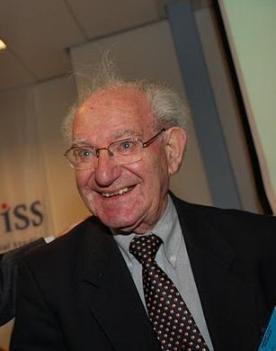"""Auschwitz-overlever Dr Hayo Meijer is duidelijk met zijn statements: """"De staat Israël bestaat niet"""". En wat dacht je van deze tekst van een kenner...: """"Israël handelt zoals de Nazi's dat deden"""". (klik voor artikel)"""