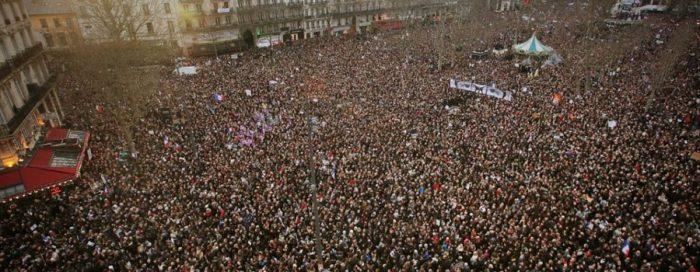 France-protestors-rise-up-900x350