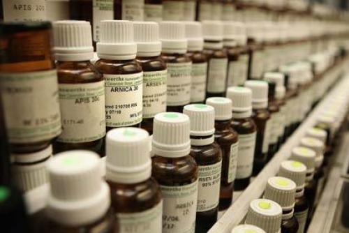 Homeopathie: uiterst eenvoudig te produceren, uiterst economisch aan te maken, geen patenten om mee rekening te houden en nu ook BEWEZEN effectief!
