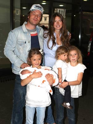 Jamie-Oliver-and-family