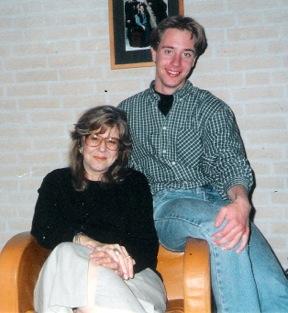 1999. Robbert en Nancy Talbot hebben elkaar ontmoet en besluiten zijn werk op wetenschappelijke wijze te analyseren.