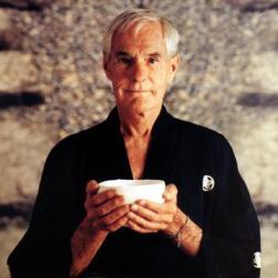 Timothy Leary, Amerikaans schrijver, psycholoog, software-schrijver en campagneleider in het onderzoek naar psychedelische drugs.
