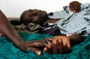 Is het bereiken van opzienbarende resultaten in de strijd tegen AIDS geen bewijs genoeg..? Wat is er nodig om onze aandacht, onze focus op dit soort zaken te krijgen?