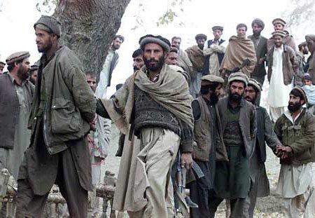 Zijn dit de 'gevreesde Al Qaida-strijders', waar het machtigste leger van de wereld met 200.000 man al zó haar handen vol heeft, dat nog eens 30.000 troepen nodig zijn..? Jij mag het zeggen!