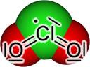 De verbinding is een krachtige oxidator die veel toepassing vindt in de drinkwaterreiniging en als bleekmiddel. Daarnaast werd het gebruikt als in desinfectiemiddel van drinkwater.