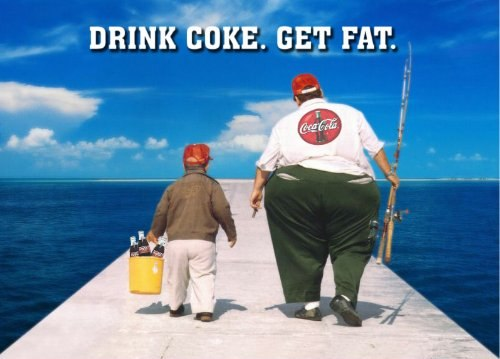 Bovenaan de lijst met meeste calorieën in de VS staat HFCS in koolzuurhoudende frisdranken.soda pop. Volgens studies zijn deze hoog-calorische soft-drinks er de oorzaak van dat het menselijk lichaam enorme hoeveelheden vet aanmaakt. In een studie werden HFCS-drankjes verbannen en de proefpersonen verloren gewicht. 35 jaar geleden American soda's were made with sugar, just like Mexican Coke is today. 35 Jaar geleden begon het overgewichtprobleem in de VS te ontsporen.