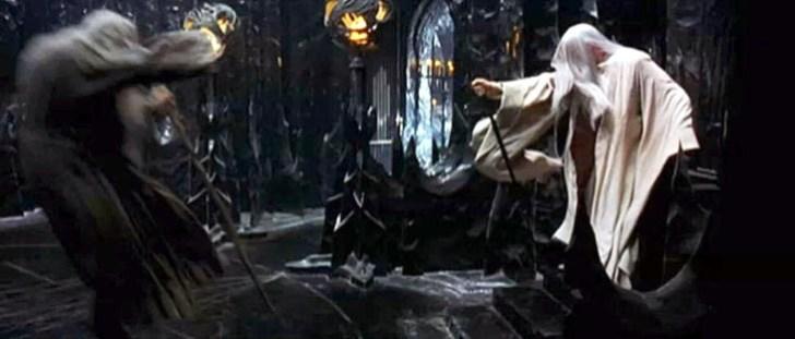 Het klassiek gevecht tussen 'Goed' en 'Kwaad', tussen Licht en Donker, uitgebeeld in dezelfde film 'Lord of the Rings'. Juist door deze gevechten houden we de dualiteit in stand, dáár waar we naar Eenheid streven..!