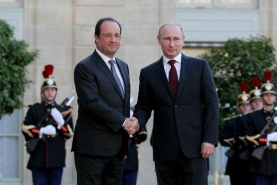 De sancties tegen Rusland hebben vooral Rusland en Duitsland heftige economische schade toegebracht. Het is François Hollande die het eerst met de ogen knippert en probeert de sanctie-ketenen af te werpen.. Gesprekken met Poetin dus, die nog wel even door had willen pokeren, zo lijkt het..
