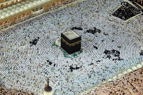 De Ka'aba in Mekka; het heilige der heilige voor iedere Moslim. Feitelijk geregeerd door Zionistische krachten.