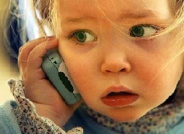 De wereldwijde test: Peuters die draadloos bellen..