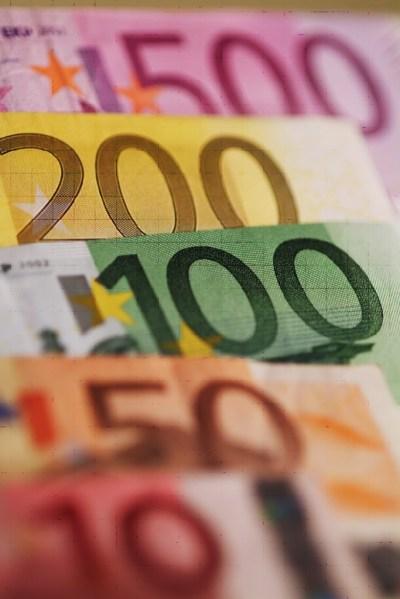 Geld als behang, of als illustratie bij een artikel.. Over geld ofzo..