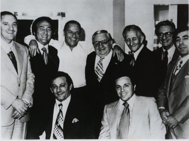 Het was de van oorsprong Italiaanse Frank Sinatra, die ervoor zorgde dat de maffia in de nabijheid kwam van de regeringskringen in Washington.