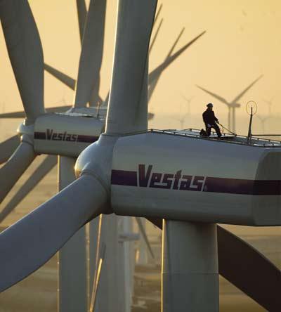 Vestas geldt als hét grote voorbeeld van de grote-groene-banen-moter.