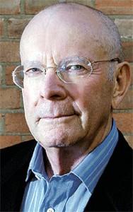 Wilbur Smith, hij ontdekte dat er in het geniep werd gewerkt aan de UFO-zaak