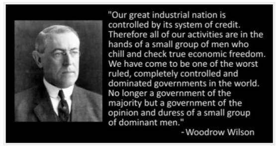 President Woodrow Wilson tekende op Kerstavond 1913 de Federal Reserve Act, waarmee hij zijn land als president overleverde aan een stelletje aasgieren, die zijn land van binnen zouden gaan leegroven..!