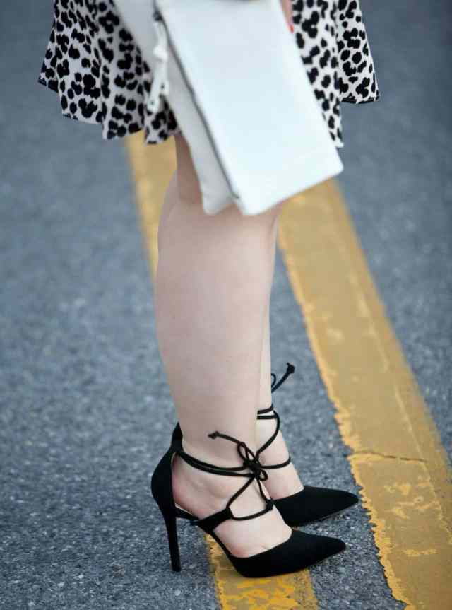 wardrobe oxygen over 40 fashion blog wearing payless