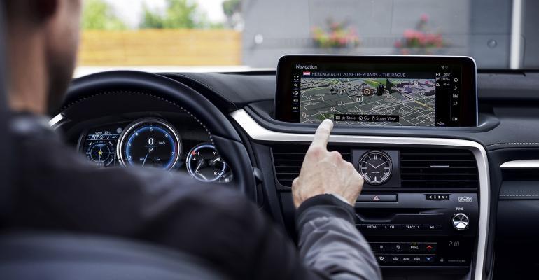 Lexus Advances Rx Cuv S Infotainment Ux Wardsauto
