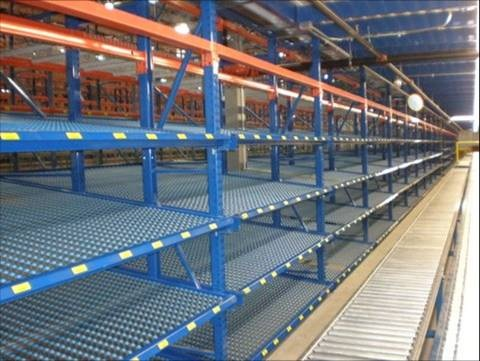 Carton Flow Bed Sections In Selective Rack (2)