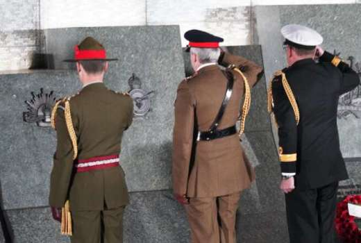 MOD Anzac Day Cenotaph (Crown Copyright, 2019) [880]