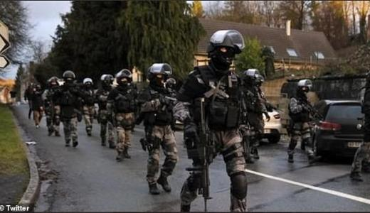 French Military in Dijon, Chechan Gang Warfare via Twitter (June 2020) [orig]