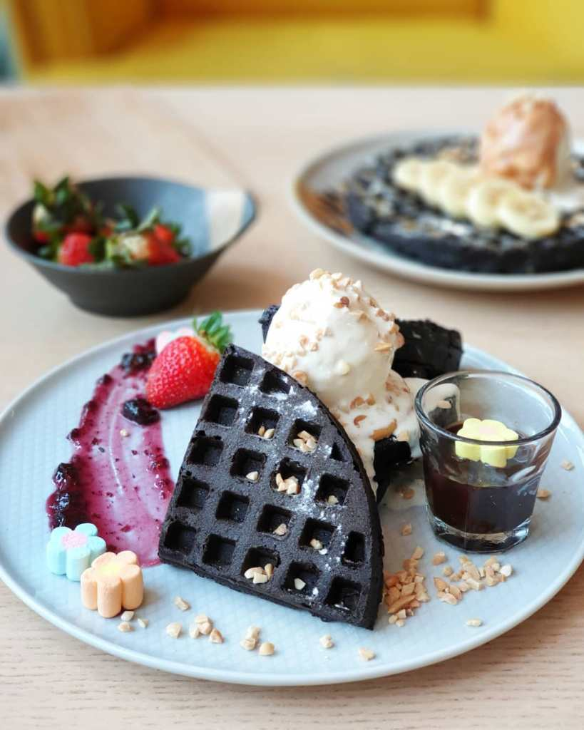 This Cafe Makes The Craziest Savory And Sweet Waffle