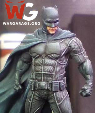 Batman del juego Batman Miniatures Game. Nótese los detalles de esta miniatura de escala 28mm.