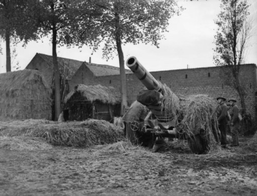 Allied Howitzer position near the French and German border in 1940 via commons.wikimedia.org