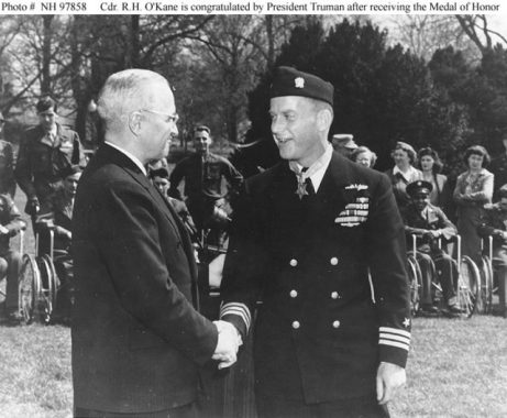 Commander Richard H. O'Kane being awarded the Medal of Honor by President Harry S. Truman.
