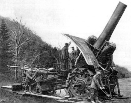 Big Bertha howitzer in action.
