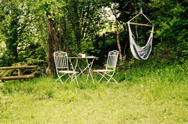 Hanging chair and tea