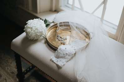 Photo of Bride's accessories in Warrenwood Bridal Suite