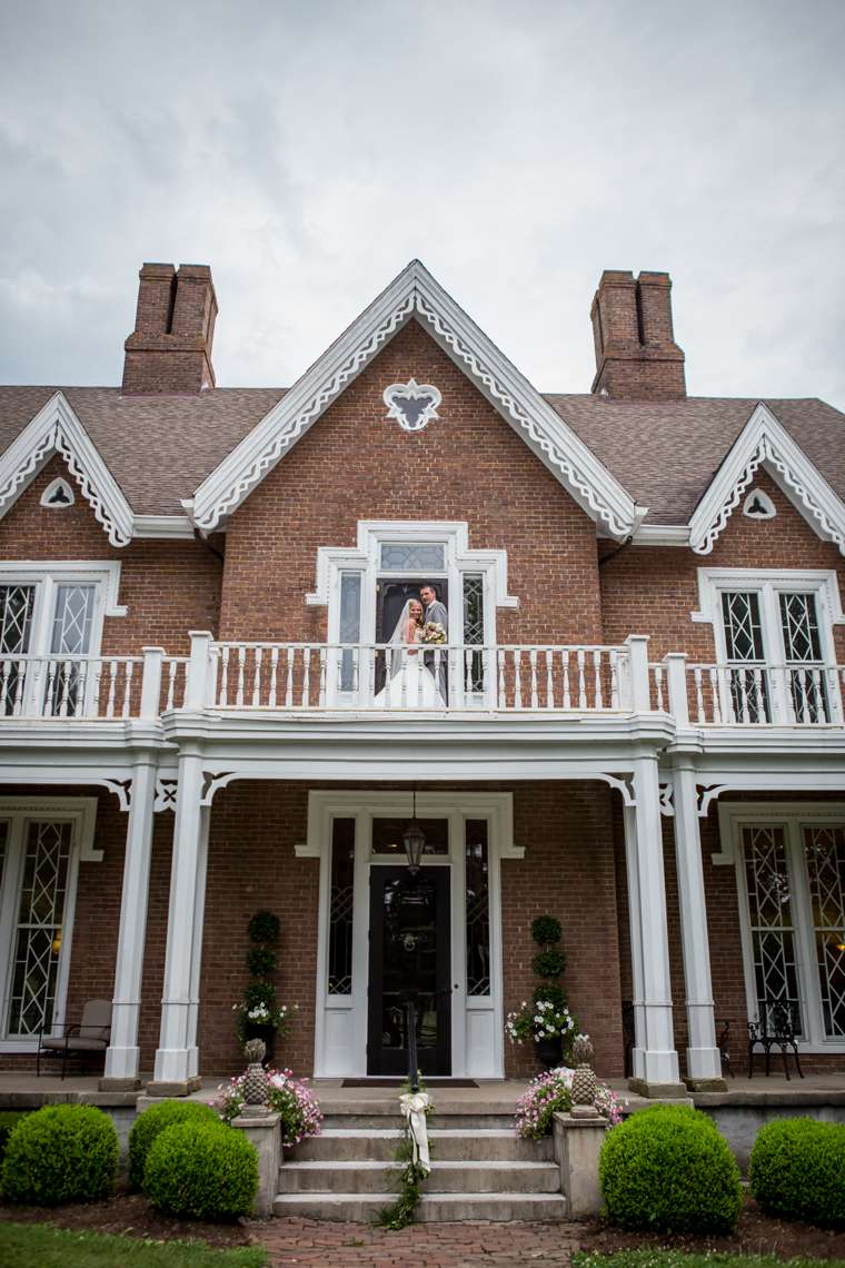 Historic home in Danville, KY hosts stunning vibrant summer wedding